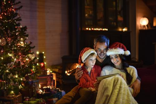 Tips for Teaching Kids How to Be Thoughtful at Christmastime